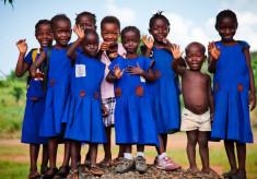 schoolchildren-in-Sierra-Leone-734x410