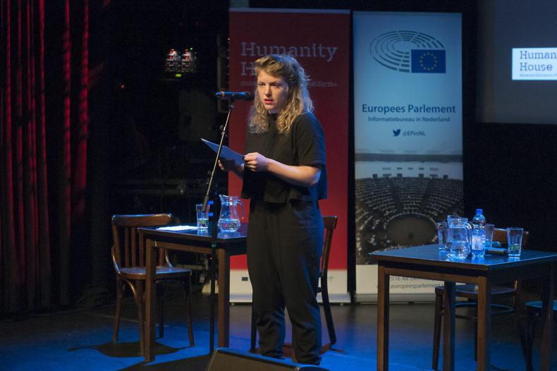 Simone van Saarloos tijdens Europa een rEUie in Paard - Humanity House
