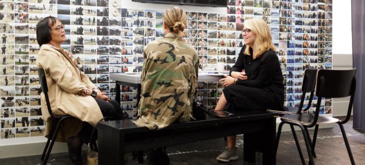 Interview met deelnemers Studio Aleppo. Foto Fred Ernst - Humanity House