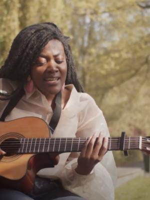 Ms. Aba: Mijn vrijheid is een melodie