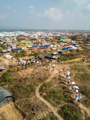 Rohingya vluchtelingen in Bangladesh springen bij als gezondheidswerkers tijdens de coronacrisis